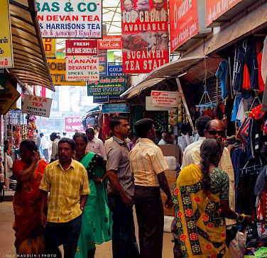 Market street in Munnar, Kerala, India. Photo via Flickr:Julia Maudlin