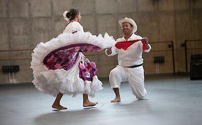 Traditional Colombian dance in Quimbaya. Flickr:KCBalletMedia