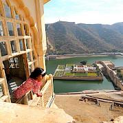 Palácios e fortalezas em Rajastão, de bike na Índia Foto