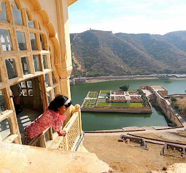 Amber Fort, Jaipur, Rajasthan, India. Photo via Flickr:Juan Antonio F. Segal