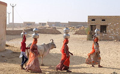 Working women in Rajasthan, India. Flickr:Ijya Yakubovich