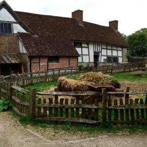 Warwick CastleTudor Era Barnyard at Mary Arden's Farm