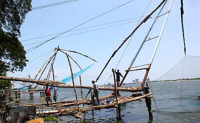 Chinese fishing nets in Fort Kochi, Kerala, India. Flickr:Kandukuru Nagarjun