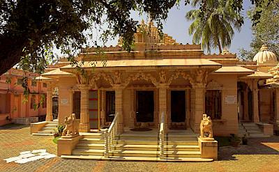 Jain temple in Fort Cochin, Kerala, India. Photo via Wikimedia Commons:Thorsten Vieth