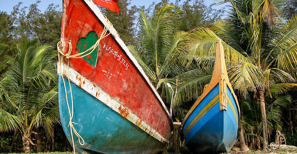 Boats on Marari Beach, Kerala, India. Flickr:Andy Kaye
