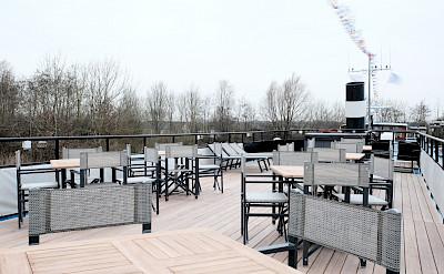 Above deck Magnifique III - Bike & Boat Tours