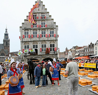 Cheese market in Gouda, South Holland, the Netherlands. Photo via Flickr:bert knottenbeld