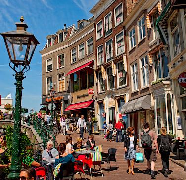Bike rest for shopping in Leiden, South Holland, the Netherlands. Photo via Flickr:Tambako The Jaguar
