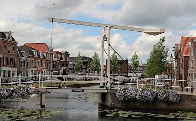 Drawbridge in Weesp, North Holland, the Netherlands. Photo via Flickr:bert knottenbeld