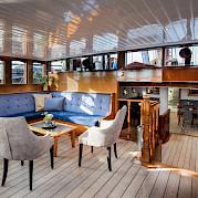 Lounge | Leafde fan Fryslân | Bike & Boat Tours