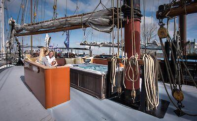 Hot Tub on Deck | Leafde Fan Fryslân | Bike & Boat Tours