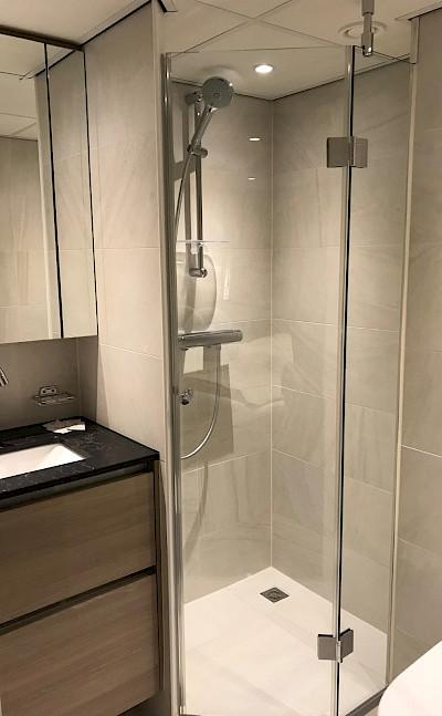 Suite Bathroom on the Arlene II | Bike & Boat Tours