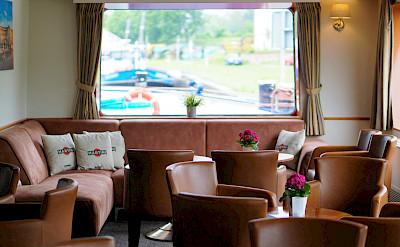 Salon/Lounge on the Arlene II   Bike & Boat Tours