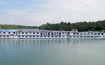 The MS Arlene II - Deluxe Class Boat   Bike & Boat Tours