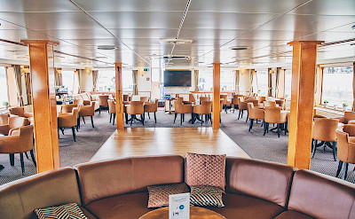 Salon/Lounge on the Arlene II | Bike & Boat Tours