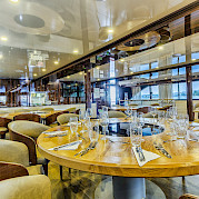 Dine in comfort and style | New Star | Bike & Boat Tours