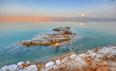 Gorgeous waters at the Dead Sea, Israel. Flickr:tsaiproject