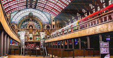 Train station in Antwerpen, Belgium. Photo via Flickr:Gregorio Pugabailon