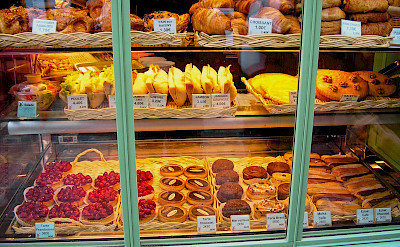 Boulangerie awaits in Paris, France. Flickr:Paolo Trabattoni