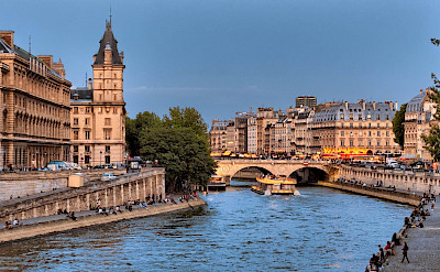 Pont Michel Bridge in Paris, France. Flickr:Joe deSousa
