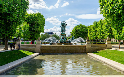 Fountain in beautiful Paris, France. Flickr:Dale Cruse