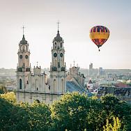 Ballooning in Vilnius, Lithuania. Photo via Flickr:Dmitrijus Jarasius