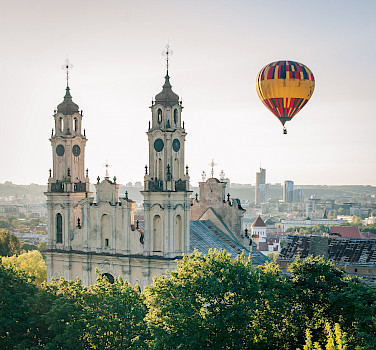 Ballooning in Vilnius, Lithuania. Photo via Flickr:Dmitrijus Jarasius