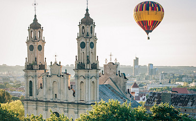 Ballooning in Vilnius, Lithuania. Flickr:Dmitrijus Jarasius