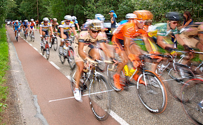 Bike race through the Utrechtse Heuvelrug, the Netherlands. Flickr:E. Dronkert