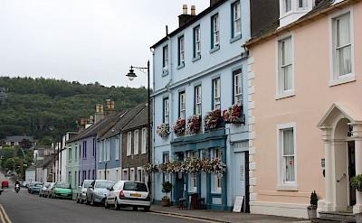 Scottish hospitality in Kirkcudbright in Scotland. Wikimedia Commons:LeCardinal