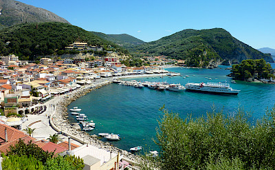 Shopping in Parga on the Ionian Coast. Photo via Flickr:Ursula van Riel