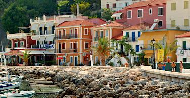 Parga, a seaside resort on the Ionian coast in Greece. Photo via Wikimedia Commons:Jaroslav Kuba