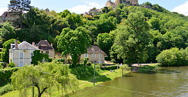 Another great castle in Castelnaud-la-Chapelle in Dordogne, France. Photo via Flickr:Stephane Mignon