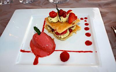Dessert in the Dordogne to fuel those bike rides. Photo via Flickr:Ian Sommerville