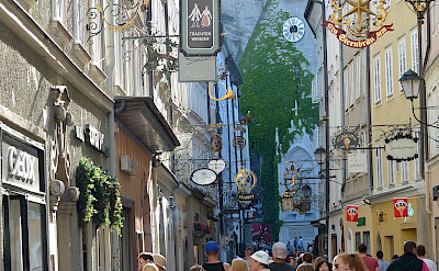 Shopping on famous Getreidegasse in Old Town Salzburg, Austria. Flickr:flightlog
