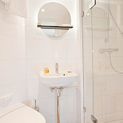Modern and practical private bathrooms - MS Arkona | Bike & Boat Tours