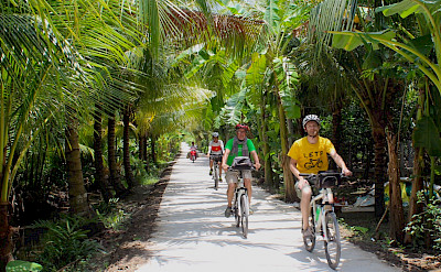 Delta River bike tour in Cambodia. Photo via TO.
