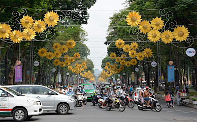 Bustling traffic in Ho Chi Minh City, Vietnam. Photo via Flickr:Paul Arps