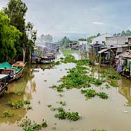 River life in Long Xuyen, Vietnam. Photo via Flickr:Jos Dielis