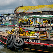 Floating marking in Mekong River in Vietnam and Cambodia. Photo via Flickr:rjabalosIII