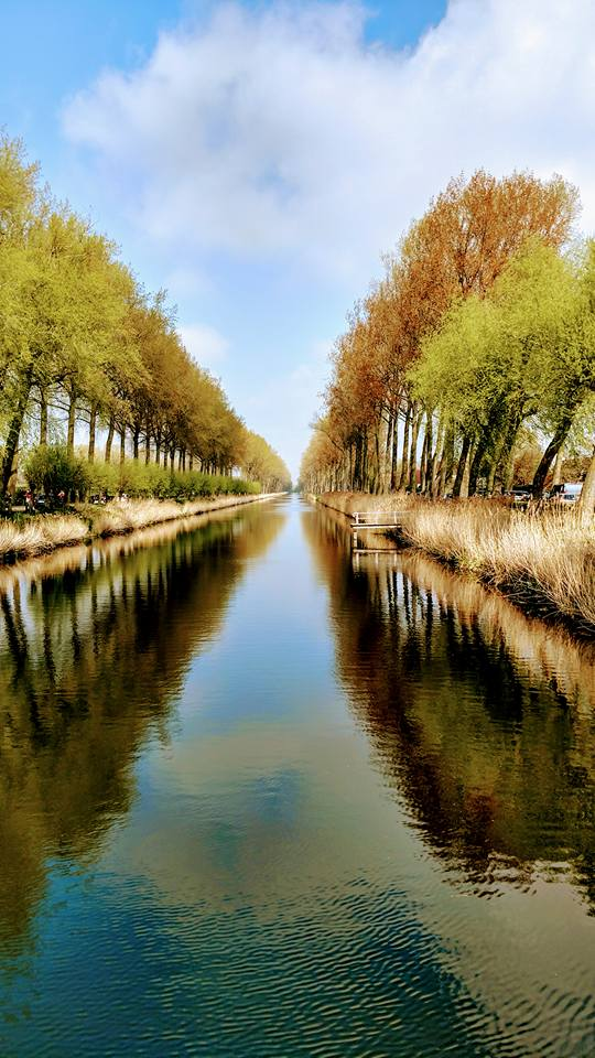 Canal and fall colors Around Romantic Bruges