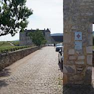 Chateau du Clos de Vougeot in Vougeot, France. Flickr:Pierre Andre Leclercq