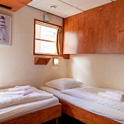 Twin cabin on De Nassau | Bike & Boat Tours