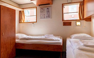 De Nassau twin cabin lower deck | Bike & Boat Tours