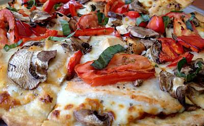 Delicious pizza in Tuscany, Italy. Photo via Flickr:Ray Bouknight