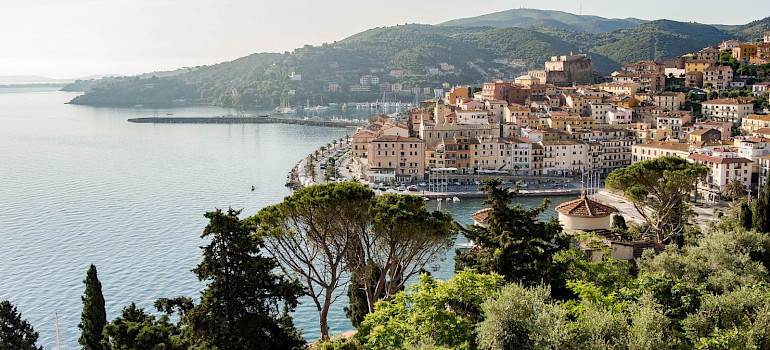 Porto Santo Stefano in Tuscany, Italy. Photo via Flickr:Theo K