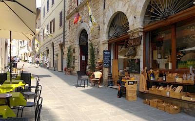 Street shopping in Tuscany, Italy. Photo via TO