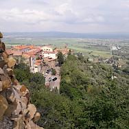 Overlooking Tuscany, Italy. Photo via TO