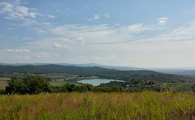 Green hills of Tuscany, Italy. Photo via TO