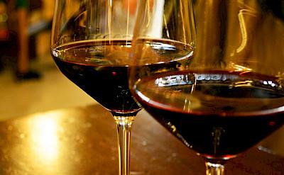 Wine tasting in Tuscany, Italy. Photo via Flickr:Pug Girl
